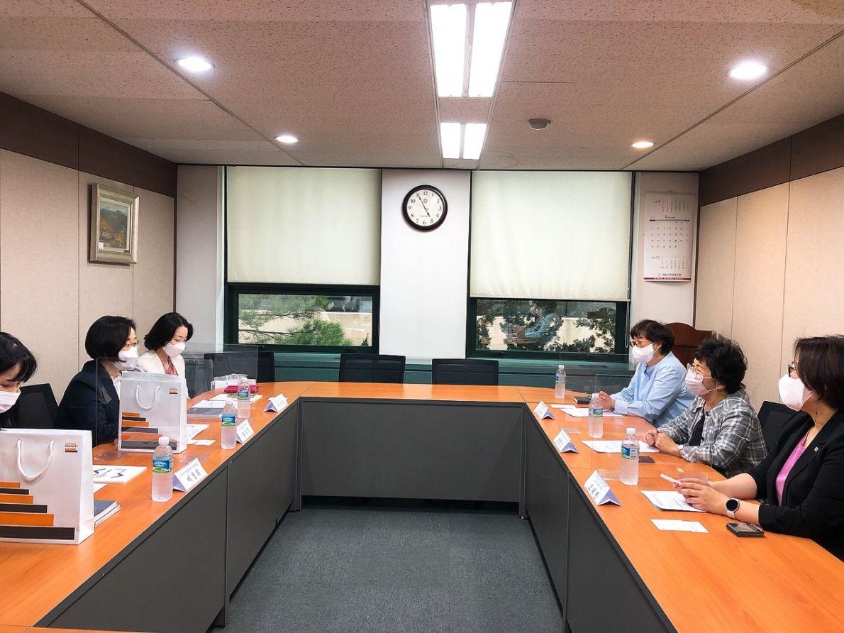 한국양성평등진흥원과의 간담회1.jpg