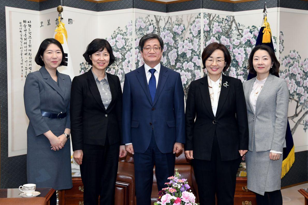 2.12.(수) 김명수대법원장님예방2.jpg