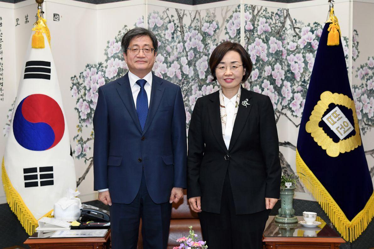 2.12.(수) 김명수대법원장님예방1.jpg
